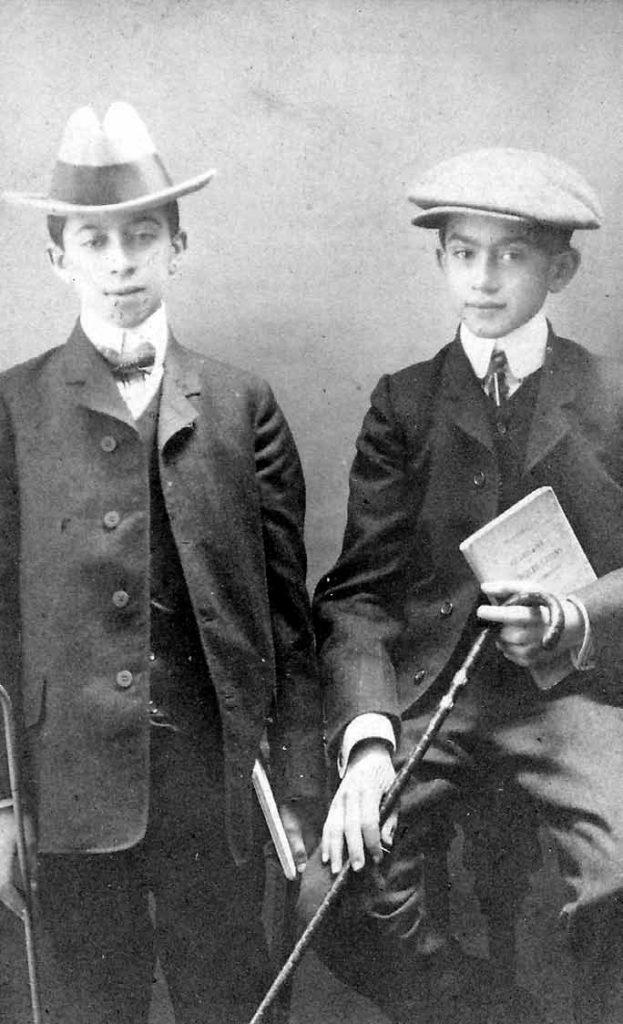 سعید نفیسی و برادرش حسن مشرف نفیسی در دوران تحصیل در اروپا