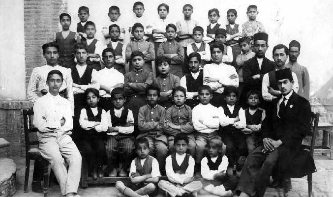 سعید نفیسی در دوران تدریس در دبیرستان اقدسیه پامنار )دوران جنگ جهانی اول