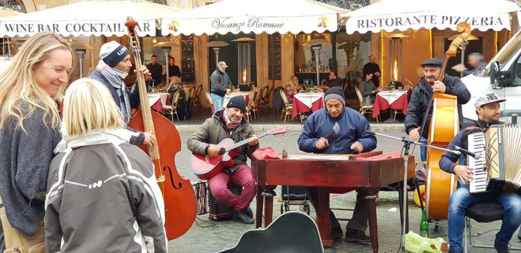 عکسهایی از خیابان گردی در شهر رم.