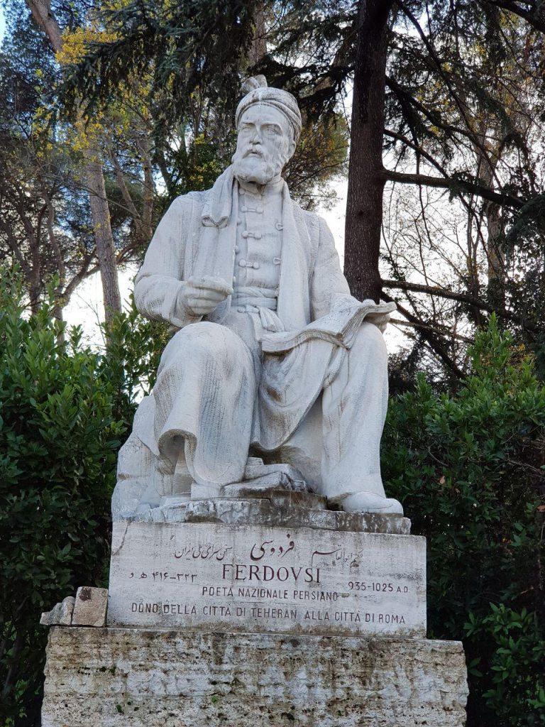 این مجسمه در شهر رم و مجسمه در میدان فردوسی تهران و مجسمه در ارامگاه فردوسی در طوس هرسه کار استاد بی بدیل زنده یاد ابوالحسن صدیقی است.