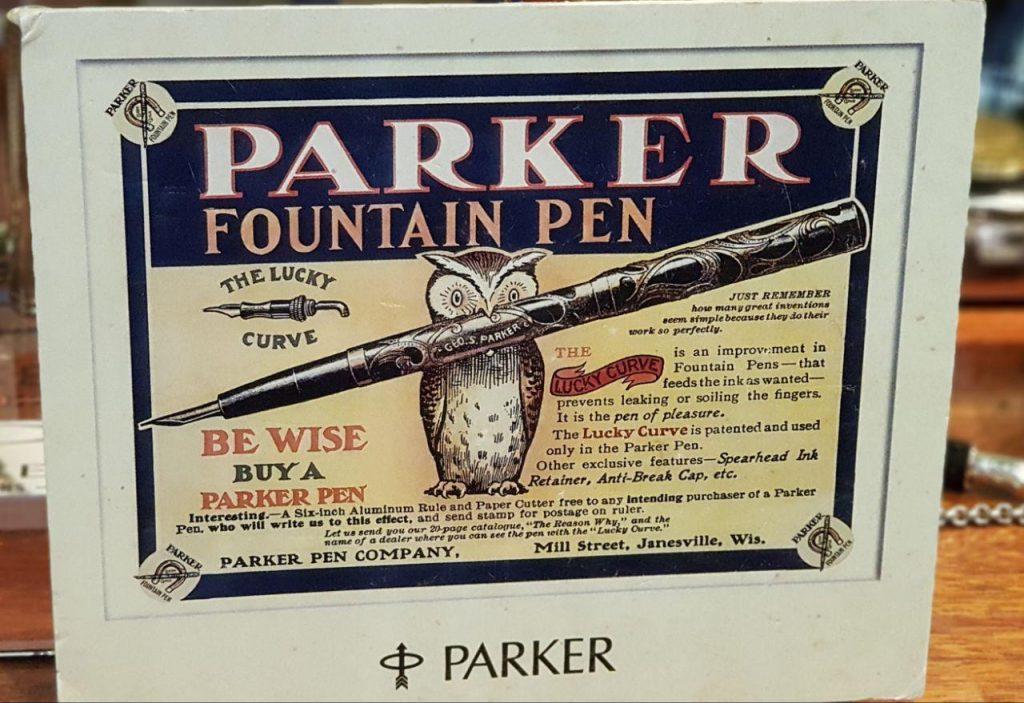 دیگر اینکه یک قلم دوفلود پارکر را پشت ویترین دیدم که عتیقه بود و گفتند که پنجاه سال است که در ویترین نگاه داری می کنند.....