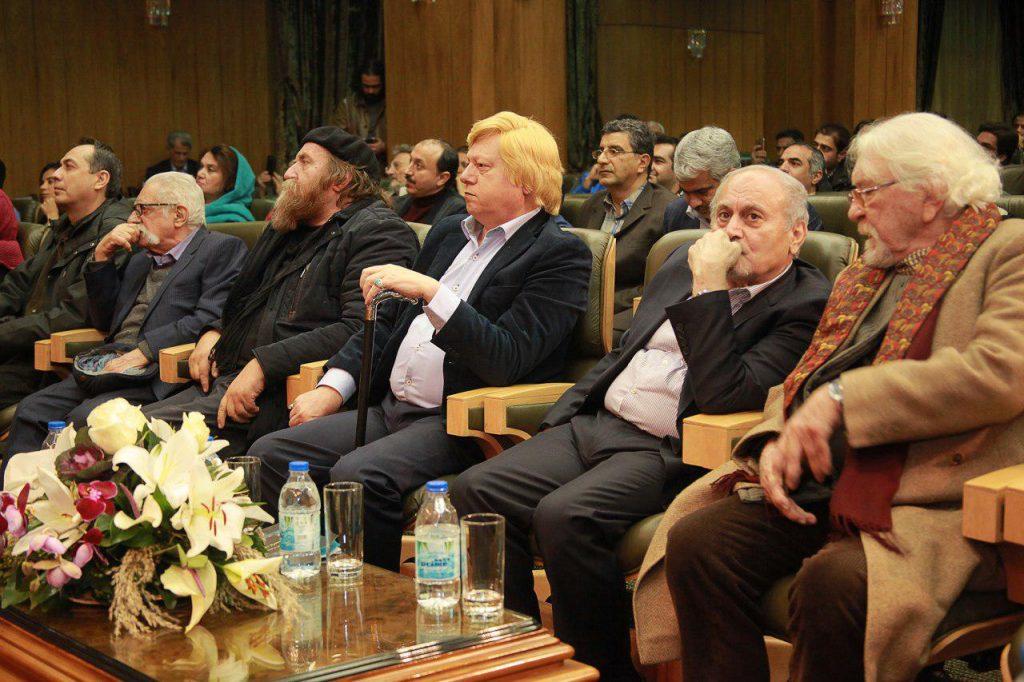 دکتر داریوش شایگان، دکتر کاظم موسوی بجنوردی، مهندس سید محمد بهشتی و دکتر احمد محیط طباطبایی