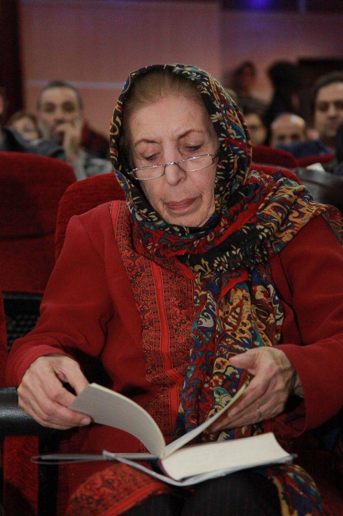 دکتر ژاله آموزگار و کتاب «فانوس جادویی زمان»