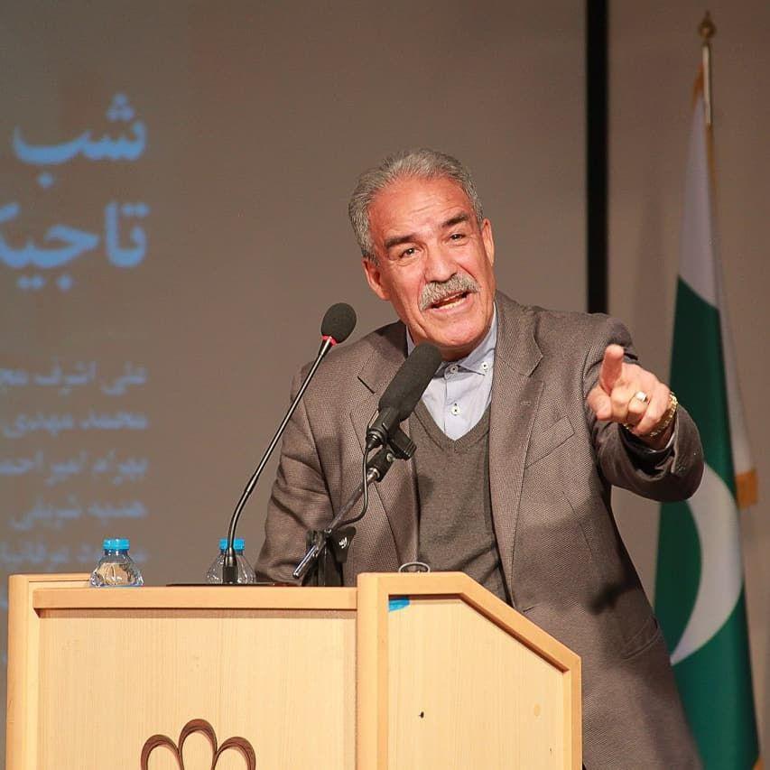 """دکتر بهرام امیر احمدیان نویسنده کتاب """" تاجیکستان ،پاره تن ایران"""" از تجربه دو دهه همکاری و حضور در تاجیکستان گفت."""
