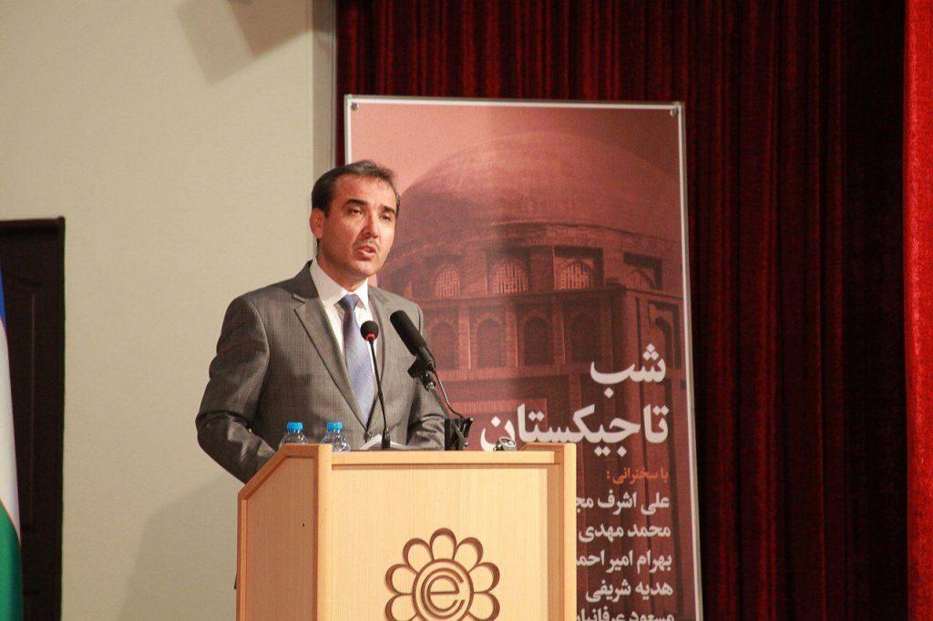 شاه منصور شاه میرزا عضو موسسه اکو از فعالیتهای فرهنگی و ادبی مابین نویسندگان ایرانی گفت