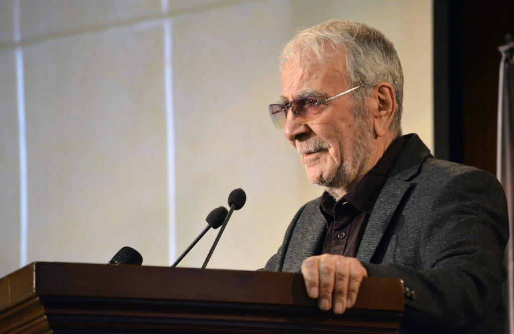 دکتر غلامحسین دینانی : او عاشق ایران بود