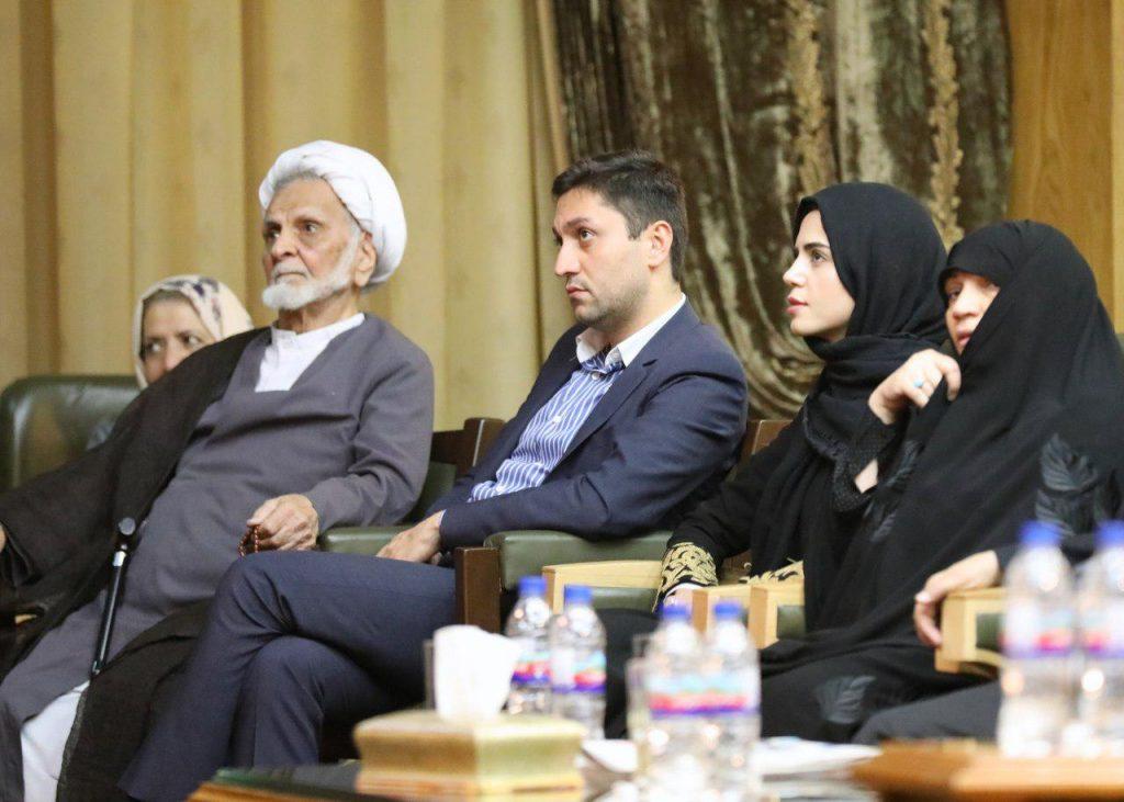حضور حجت الاسلام محمد جواد حجتی کرمانی در شب دکتر داریوش شایگان