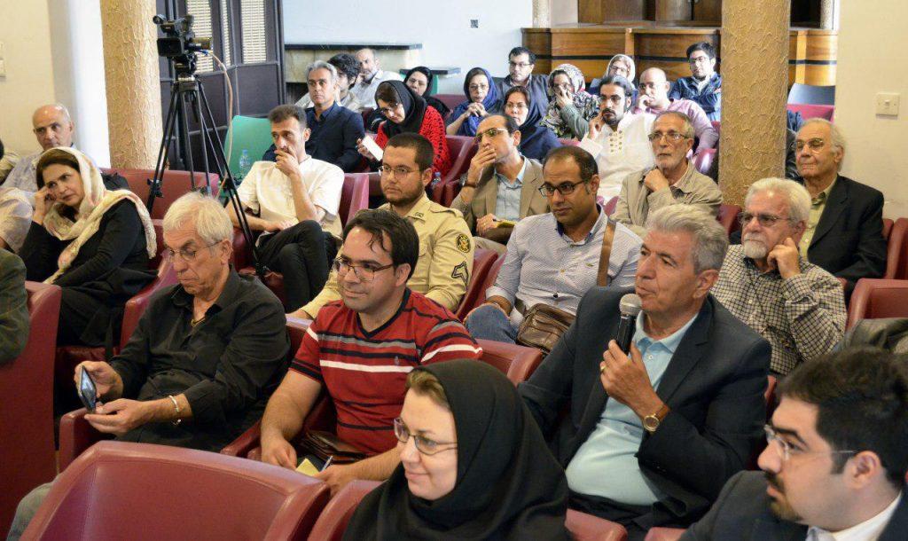 نمایی از نشست داریوش شایگان و جهان ایرانی