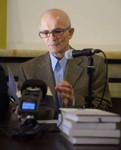 دکتر فراستخواه از ذات باوری در فرهنگ ایرانی سخن گفت