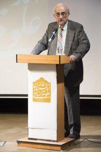 در پایان استاد دکتر رضا نیلی پور از دورانهای گوناگون تدریس و اموزش خود در دانشگاهای امریکا و دانشگاه تهران در رشته زبانشناسی علمی و زبانشناسی گفتاری گفت