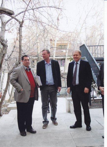 سه شنبه 6 اسفند 92 ـ با آندرس هوگارد ( سفیر دانمارک ) و کلاوس پدرسن ( ریاست بخش ایرانشناسی دانشگاه کپنهاک ) در شب آرتور کریستن سن