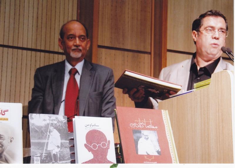 با دی.پی.سری واتسوا در شب گاندی ـ 7 مهر 1393