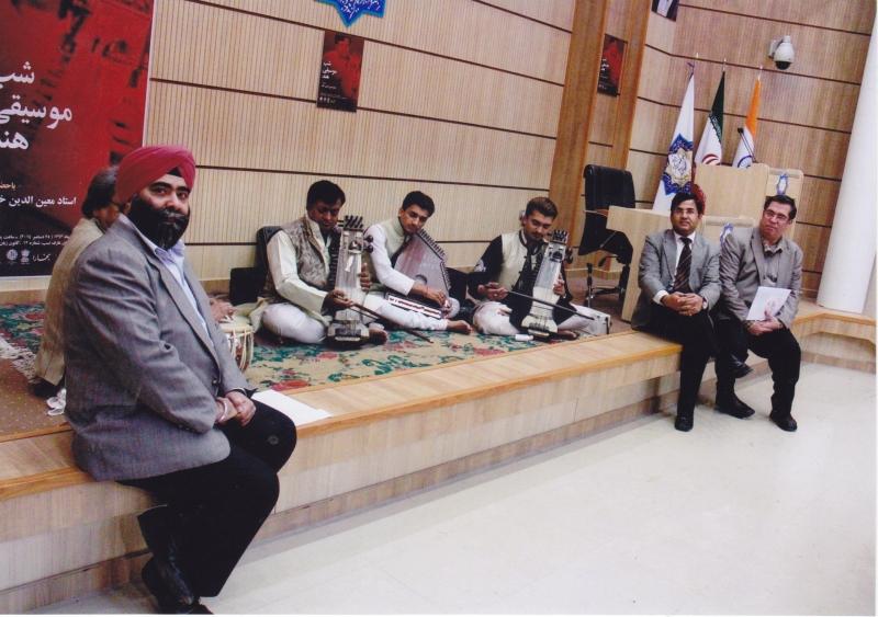 با شهرام سرمدی و نوازندگان هندی در شب موسیقی هند 4 دی 1393