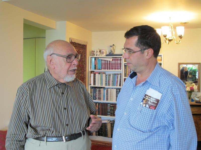 با استاد مهدوی دامغانی ـ پنسیلوانیا ـ اکتبر 2010