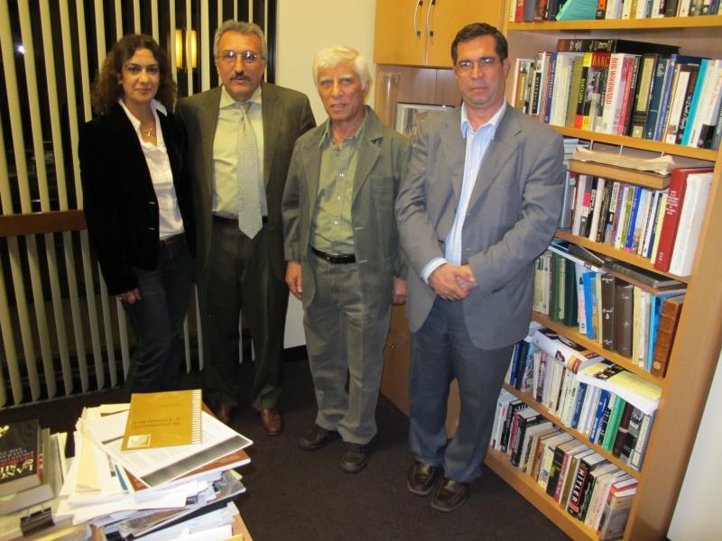 علی دهباشی، بهرام بیضایی، عباس میلانی و مژده شمسایی ـ دانشگاه استنفورد اکتبر 2010
