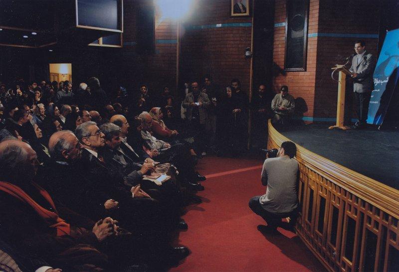 شب مولانا ـ خانه هنرمندان ـ سخنرانی دکتر محمدعلی موحد دربارۀ « غروب شمس پنجشنبه 23 آذر 85