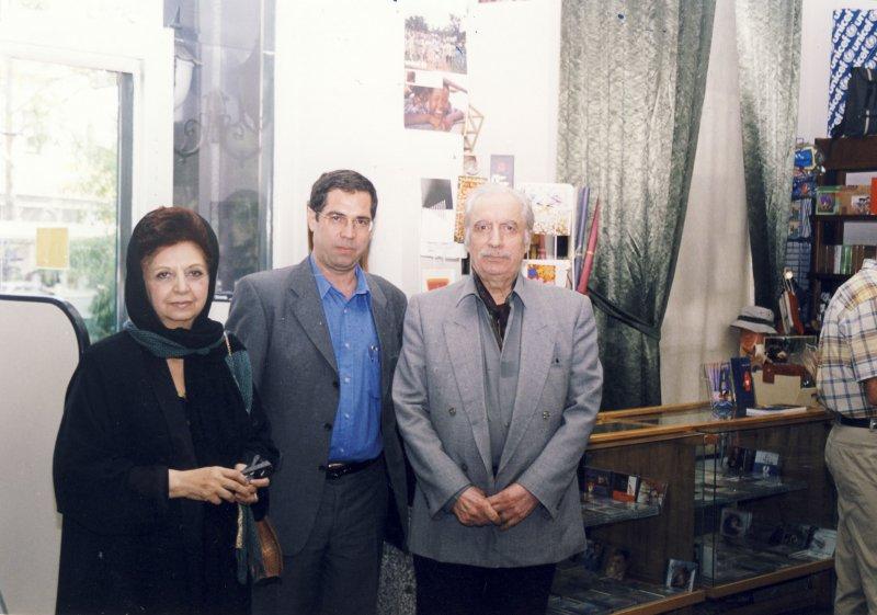 سی ام خرداد 82 با دکتر علی بهزادی و همسرش