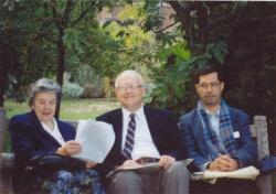 کمبریج با راجر سیوری و همسرش شهریور 1374