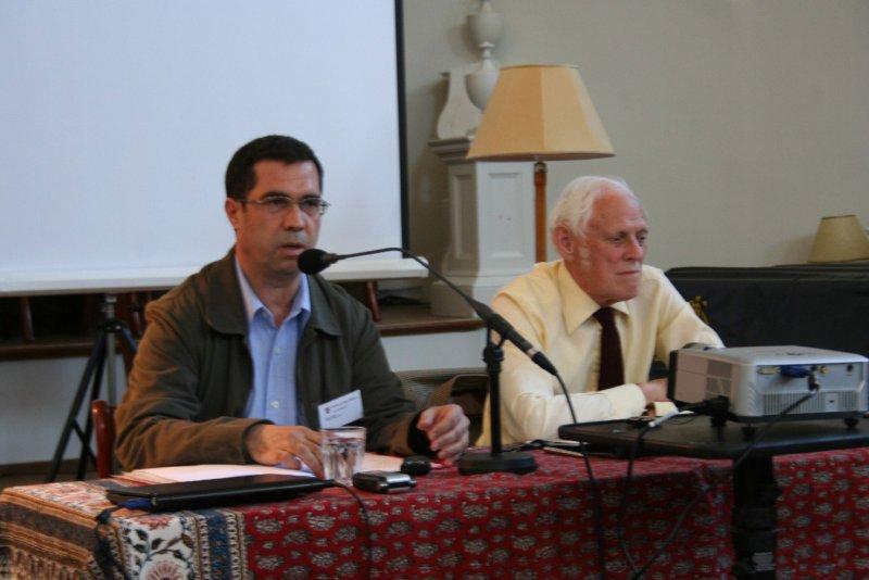 ـ کنفرانس طلوع رنسانس ایرانی در دانشگاه آکسفورد ـ سه شنبه 25 تیر 1387 ( 15 جولای 2008 با پروفسور ادموند باثورث