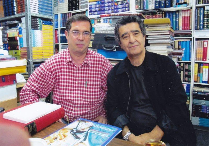 با عباس حجت پناه درکتابفروشی لس آنجلس ـ شهریور 1389 اکتبر 2010